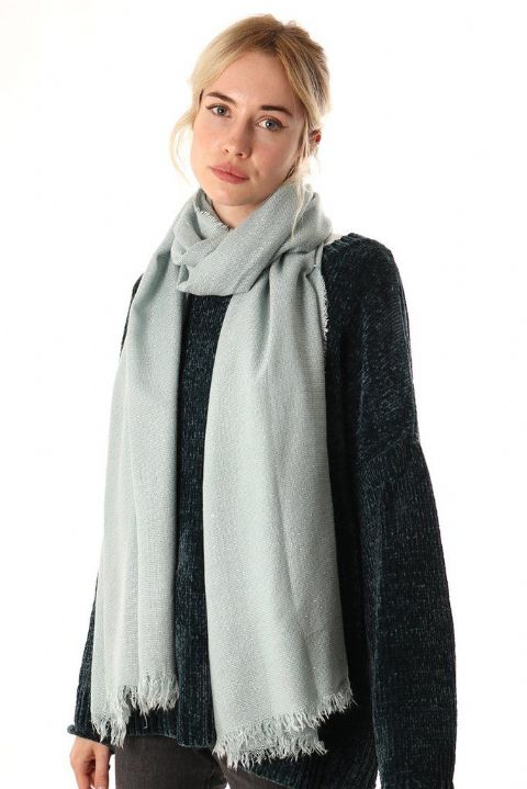 LIGHT BLUE BLANKET SILVER THREAD SCARF